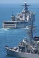 [艦船]ドック形揚陸艦ハーパーズ・フェリーと護衛艦あさゆきDD132