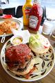 """[食事]福生""""DEMODE DINER""""のハンバーガー"""