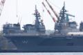 [艦船]2010年4月24日 IHI-MU横浜工場で並ぶ護衛艦ひゅうがDDH-181と艤装中のい