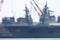 2010年4月24日 IHI-MU横浜工場で並ぶ護衛艦ひゅうがDDH-181と艤装中のい