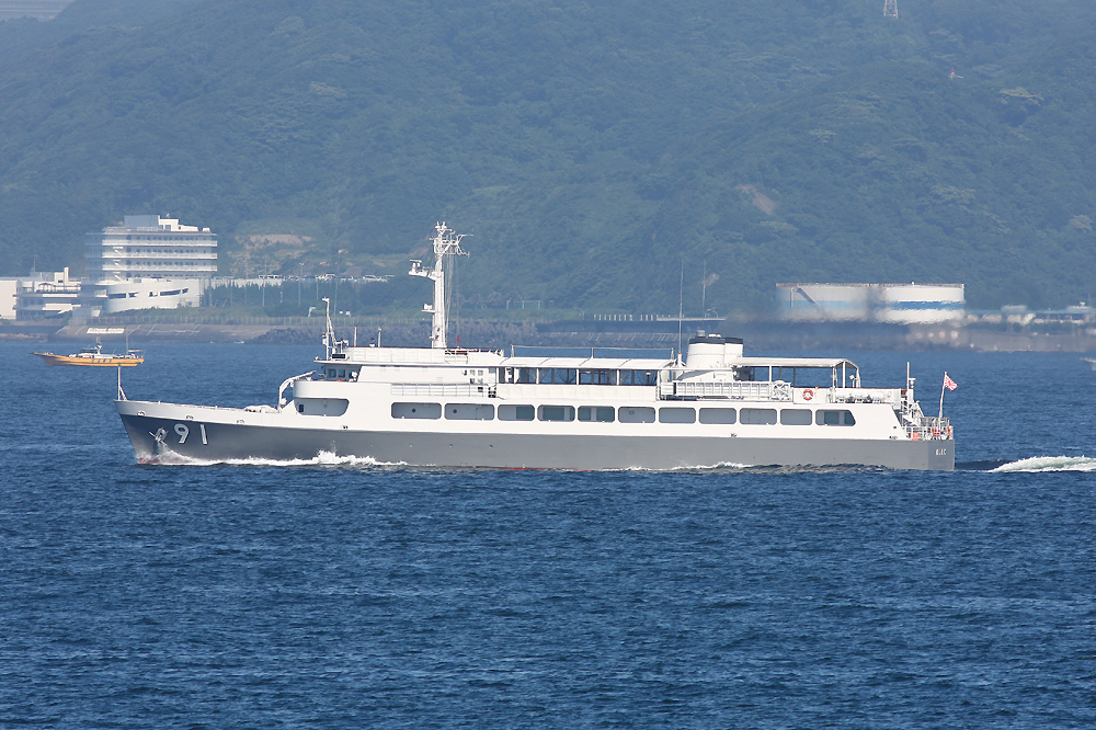 2010年7月17日 浦賀水道航路を南航する特務艇はしだてASY91