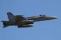 [飛行機]2013年12月31日厚木を離陸するVMFA-232のF/A-18C(WT07/Bu.No.165195)