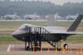 [飛行機]平成26年度航空観閲式で展示されるF-35Aのモックアップ