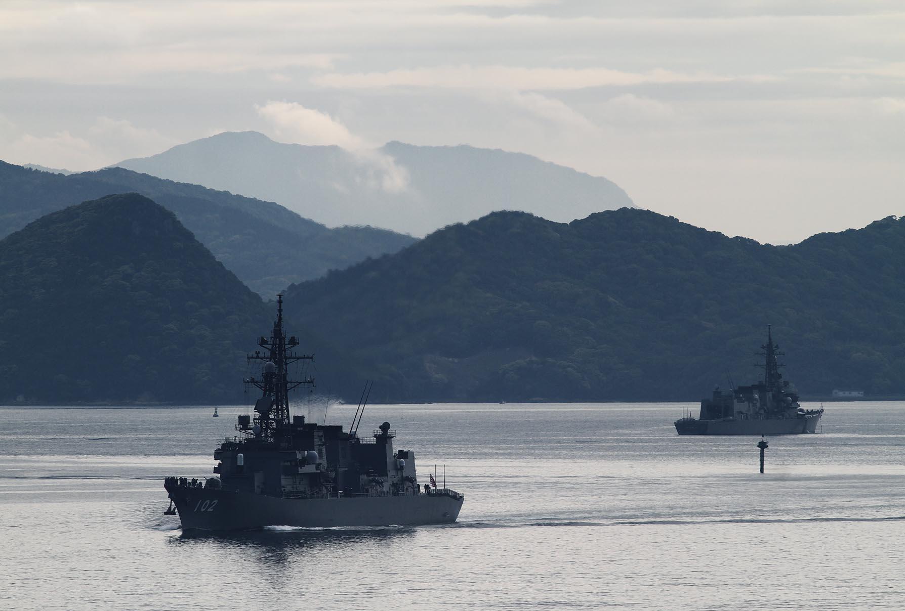 2017年5月5日佐世保を出港するはるさめJS Harusame DD102