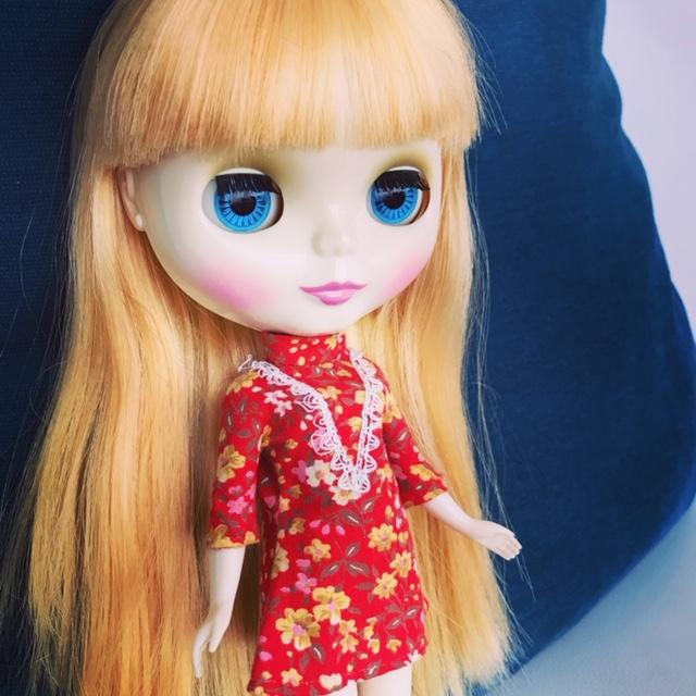 レトロな洋服を着るブライスのbunちゃん