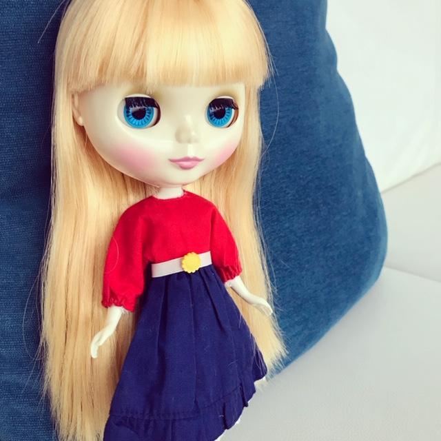 リカちゃんの洋服を着るブライスのbun