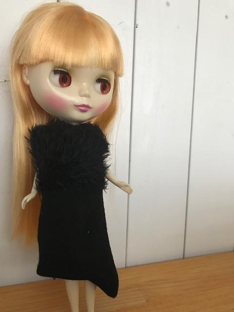 ブライスbunちゃんの靴下アウトフィット、黒ドレス!