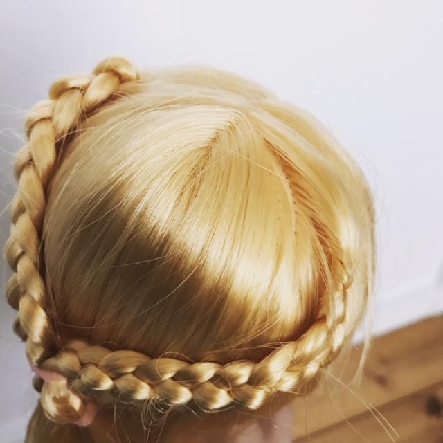 ブライスbunちゃんの髪の毛を三つ編みアレンジ
