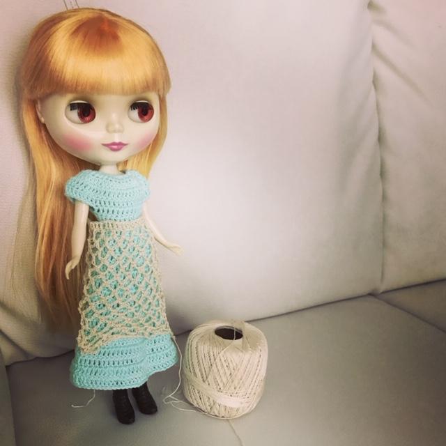 ブライスbunちゃん用のかぎ編みのロングワンピ