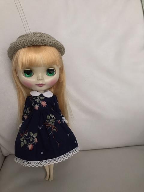 かぎ編みの帽子をかぶったブライスbumちゃん