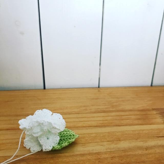 かぎ編みで編んだ花