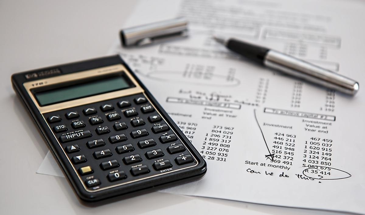 育毛機ヘアマックスの価格のコストパフォーマンスを徹底検証