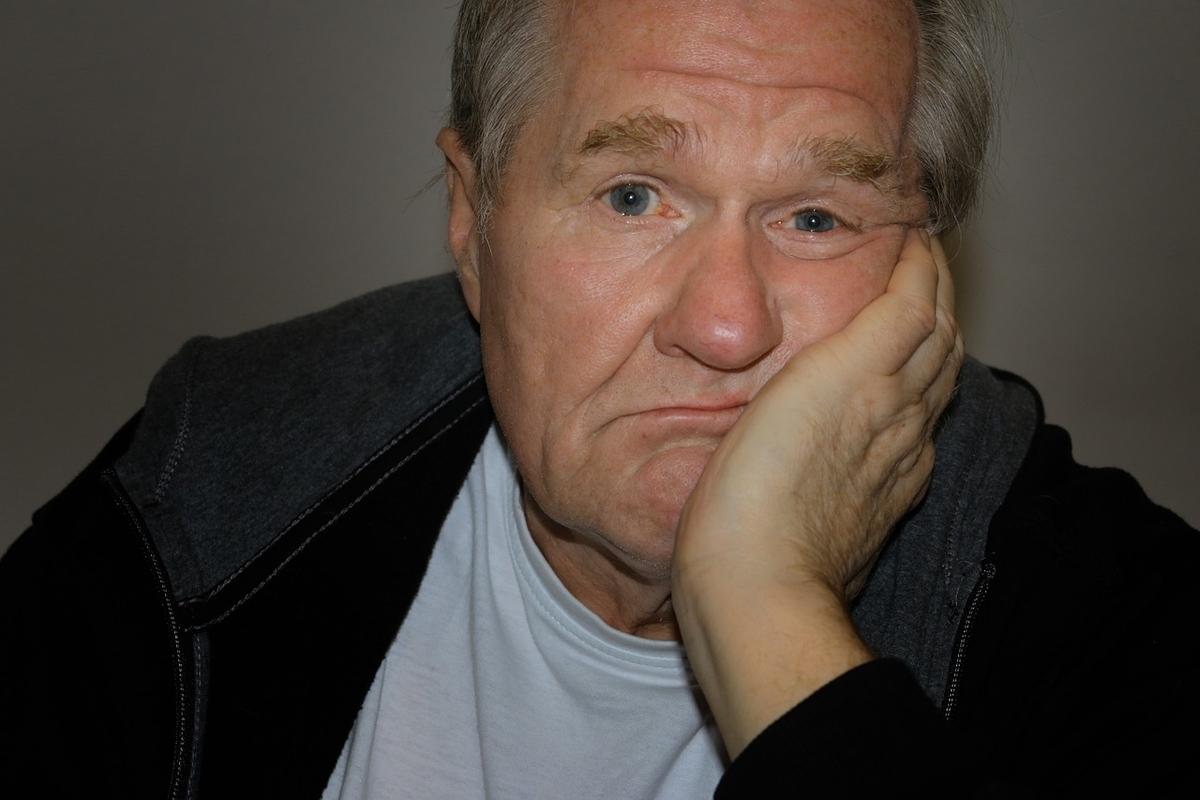 白髪の人は薄毛やハゲにならないという説に根拠がない