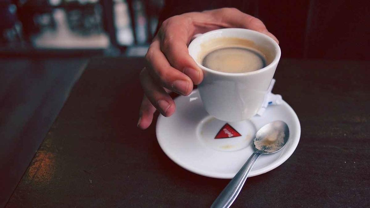 コーヒーと過敏性腸症候群の関係