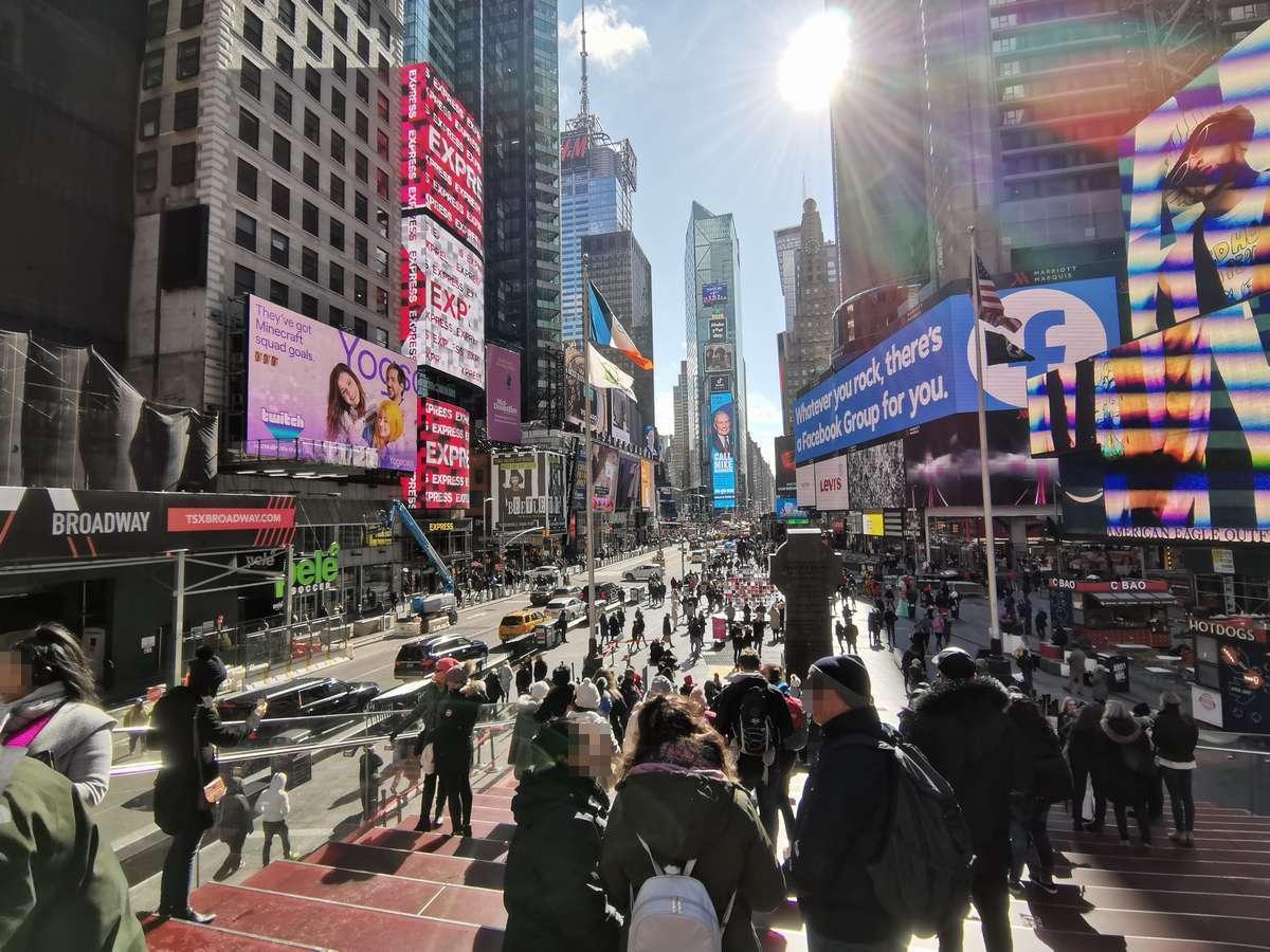 HUAWEI NOVA5Tのカメラでの超広角撮影 (Times Square,タイムズスクエア)
