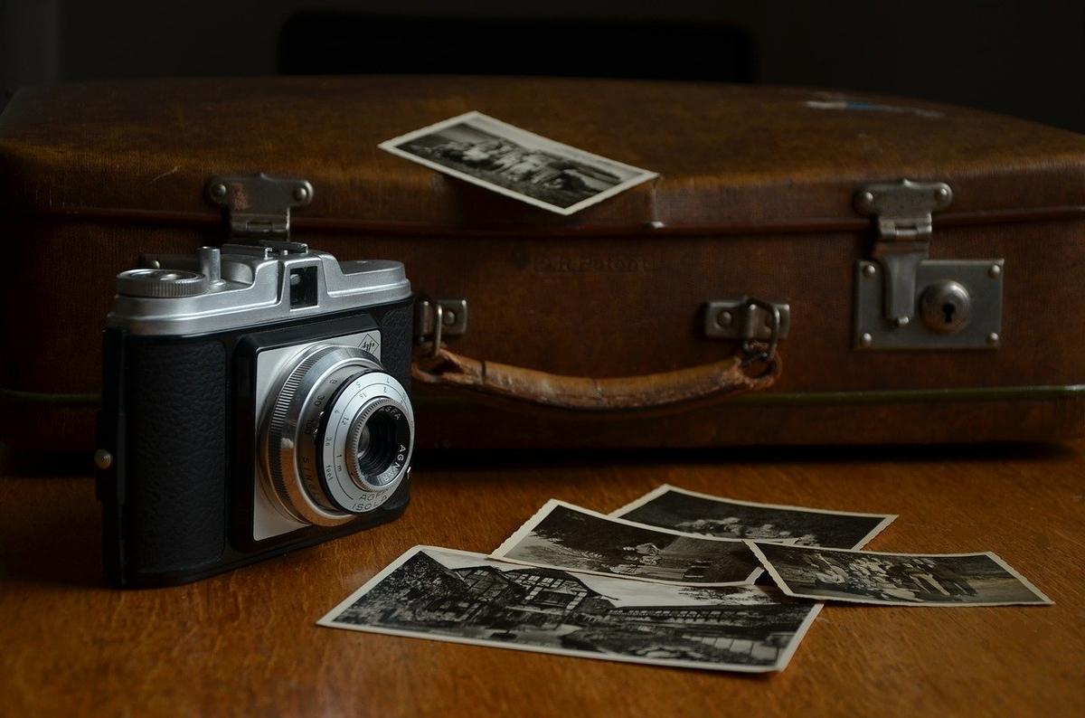 昔カメラで撮った写真を眺める