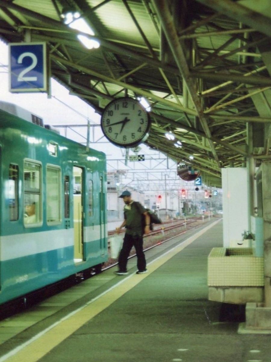 紀伊勝浦駅のホームで撮影した写真