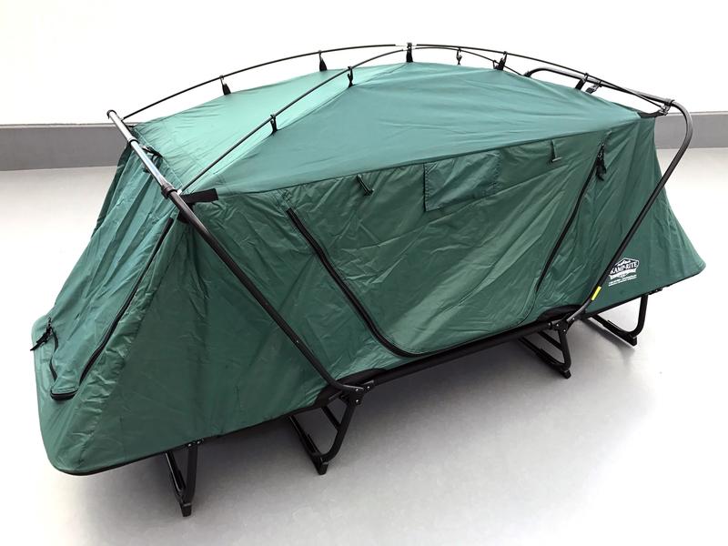 テントコットなら、自宅の屋上などにペグなしで置ける。