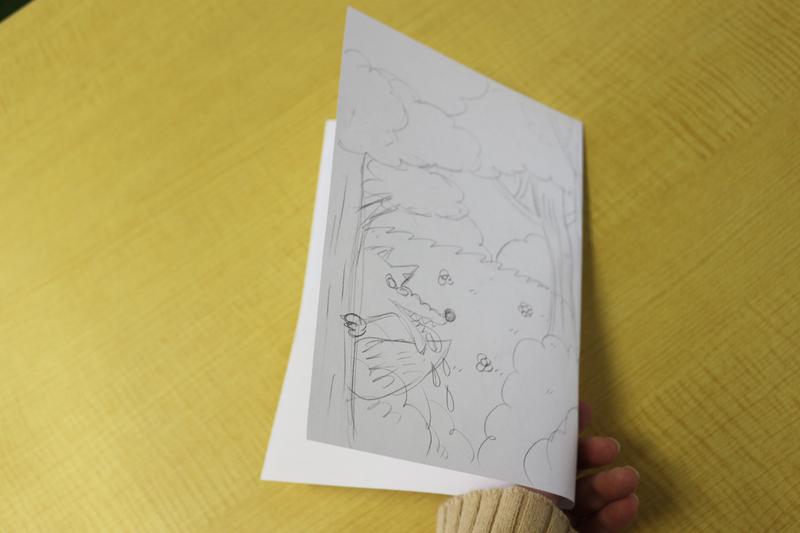 二つ折りにしたとき左側に表紙がこないとダメなのに右側に描いていました……。  描き直さないと‼