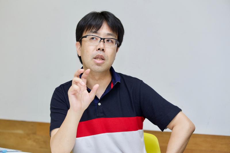 「版元ひとり」の臼井総理氏。実際の仕事も編集・ライター業を行っている。
