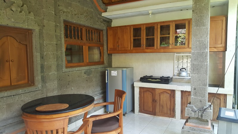 バリ島 格安ホテルのキッチンの設備 充実している