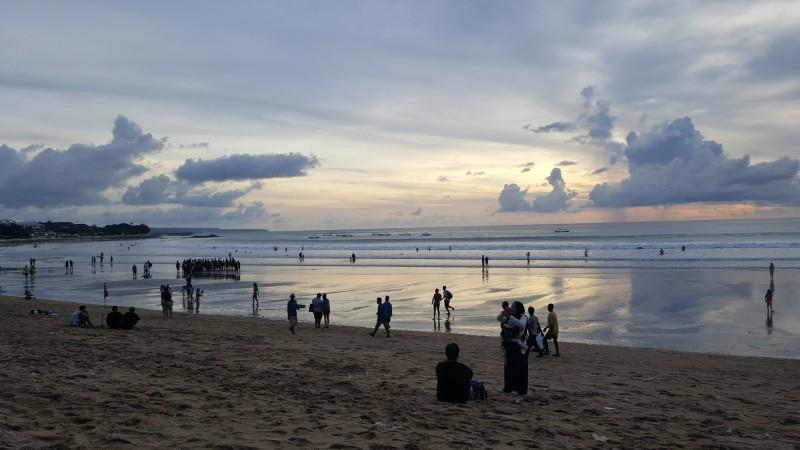 バリ島 クタの海辺の夕景
