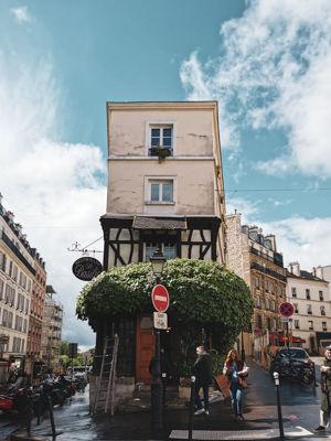 モンマルトル地区のレストラン「ル・バジリック」