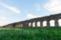 2015年10月11日の古代ローマの水道橋遺跡のある公園