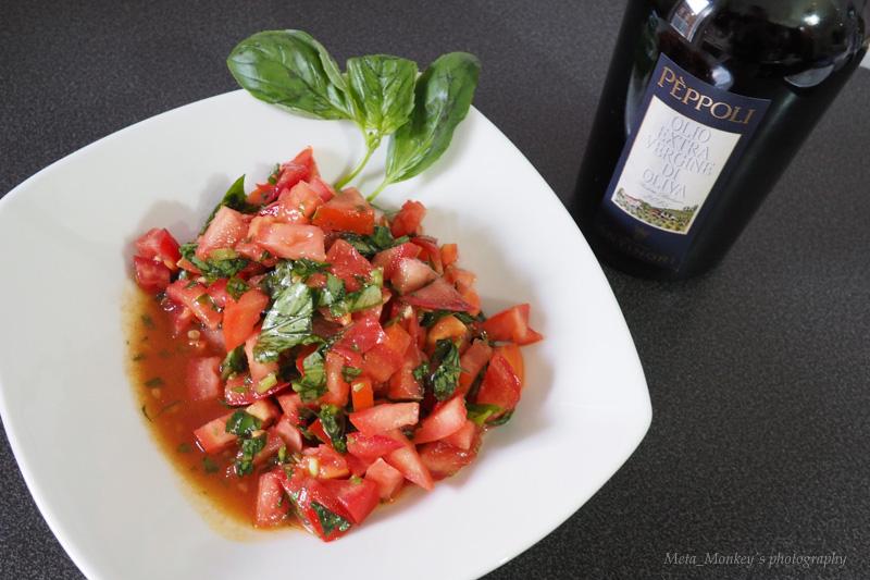 トマトとバジリコのサラダ