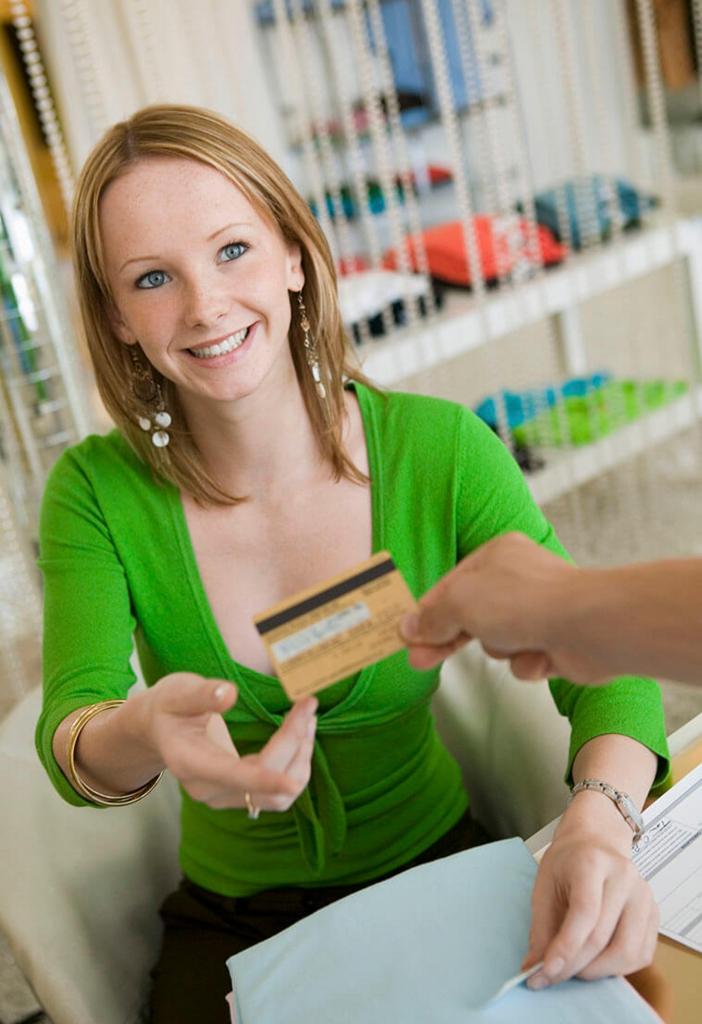 【dカード】ポイントが魅力満載!お得に使えるお店はどこ?