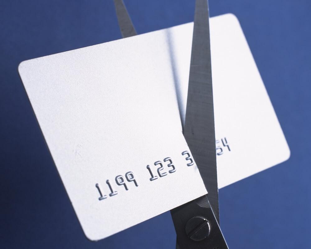 クレジットカード【入会特典】を狙って、すぐに解約!?注意点をご紹介します