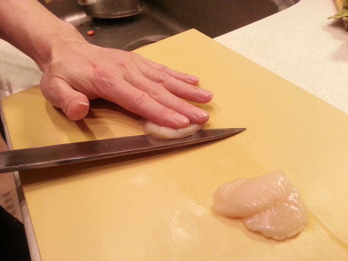 殻付きホタテ 刺身の作り方