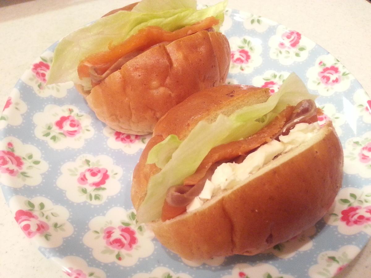 燻製シートスモークサーモンサンドイッチ