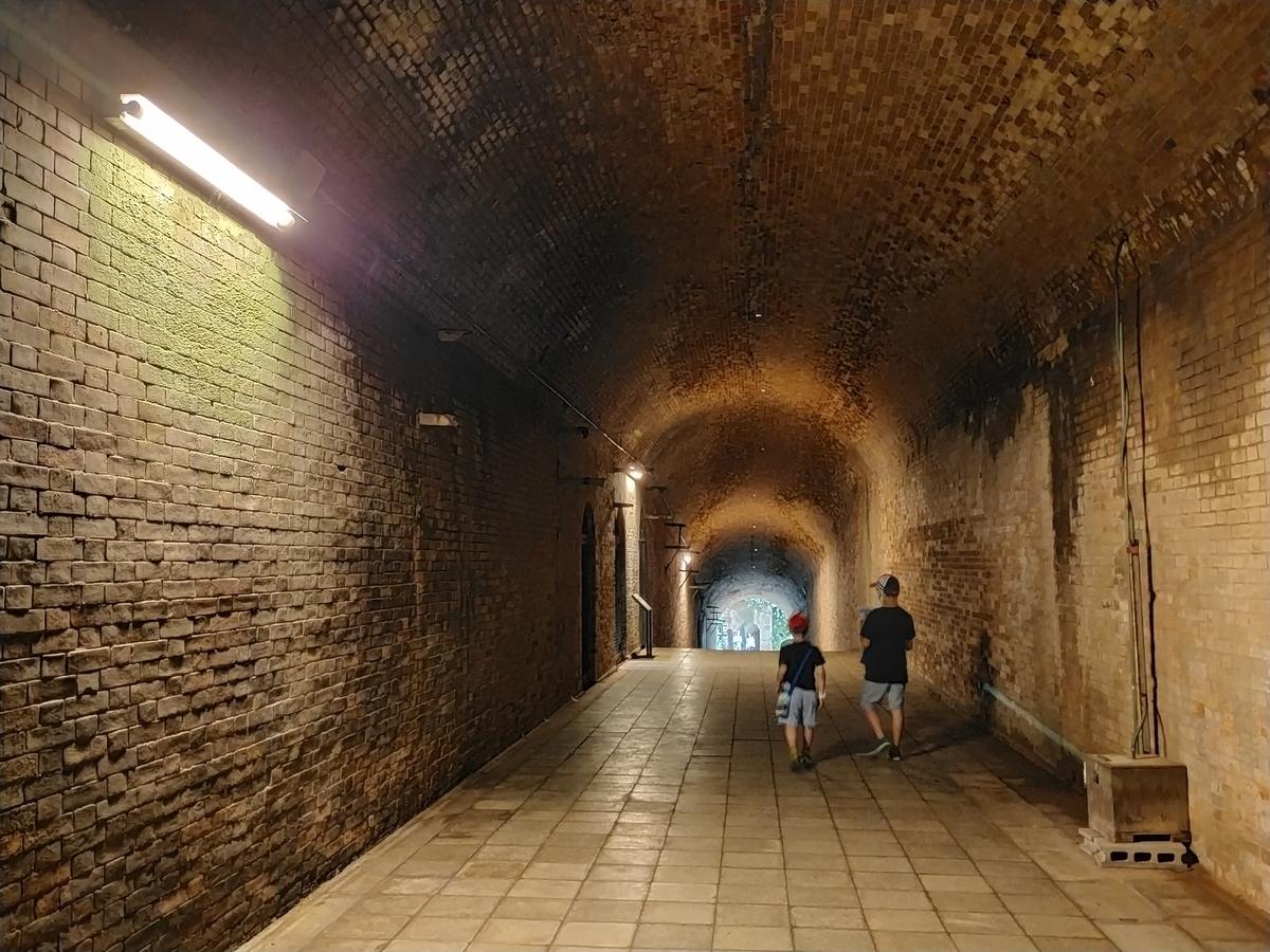 猿島 レンガ造りのトンネル