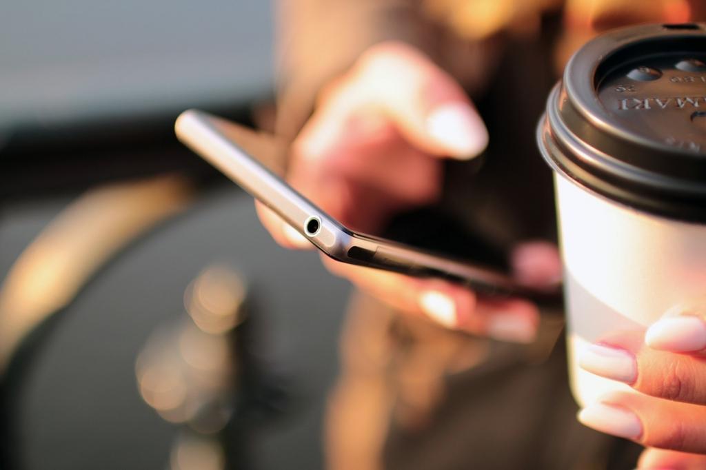 【初心者向け】格安SIMへの切り替え方法・MVNOの解説