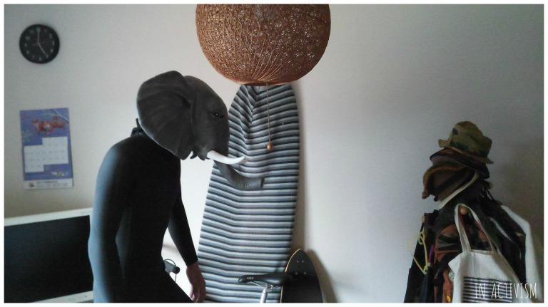 アニマルマスク 天然ゴムラテックス製 象withウエットスーツ横向き