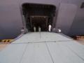 [海上自衛隊][しもきた]見学者はサイドランプより上下艦していました。