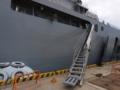 [海上自衛隊][しもきた][舷梯]輸送艦「しもきた」の舷梯。