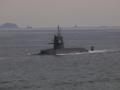 [海上自衛隊][くろしお]水上航行中の「おやしお」型潜水艦「くろしお」。大阪湾にて。