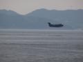 [海上自衛隊][US-2]着水するため、低空を低速飛行中の救難飛行艇US-2。大阪湾にて。