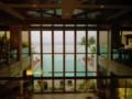 リーフホテルのエントランスから観える海