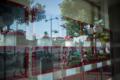 岡山市北区錦町の風景写真 - Scenery of being reflected in glass