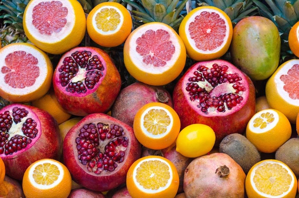 グレープフルーツなどフルーツ