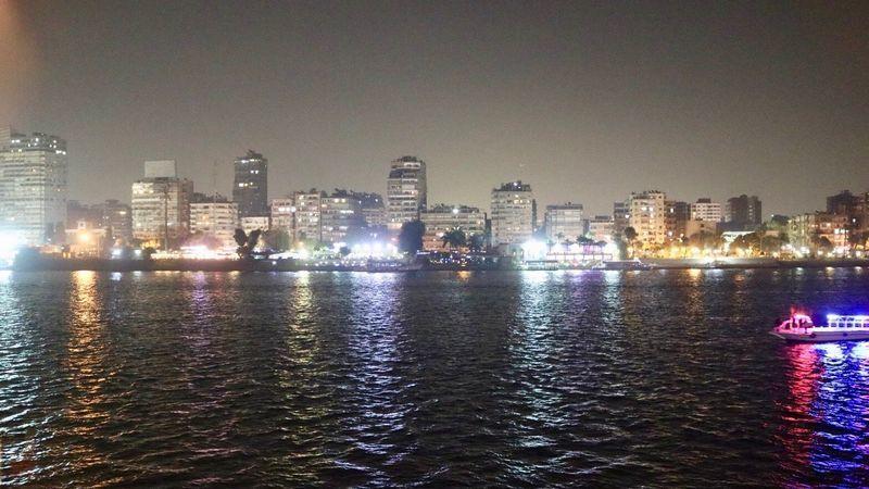 ナイル川の夜景