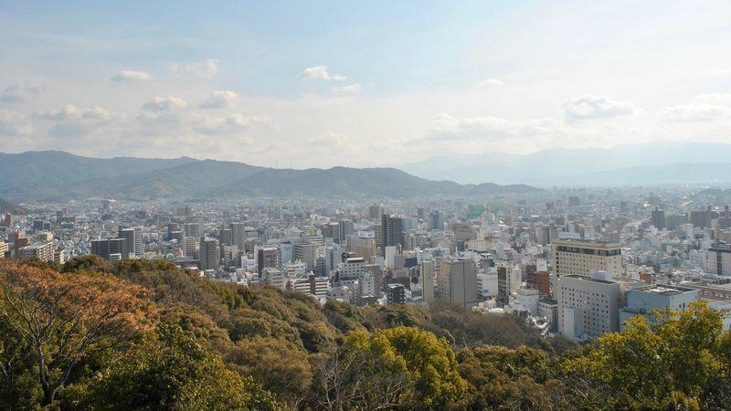 松山城からの松山市内の眺め