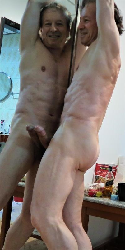 https://www.symbaloo.com/mix/franbournudeandshaved1