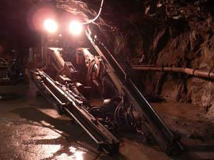 鉱山用重機