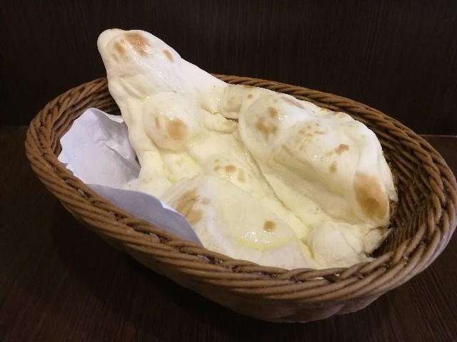 ムンバイ 三田店のナン