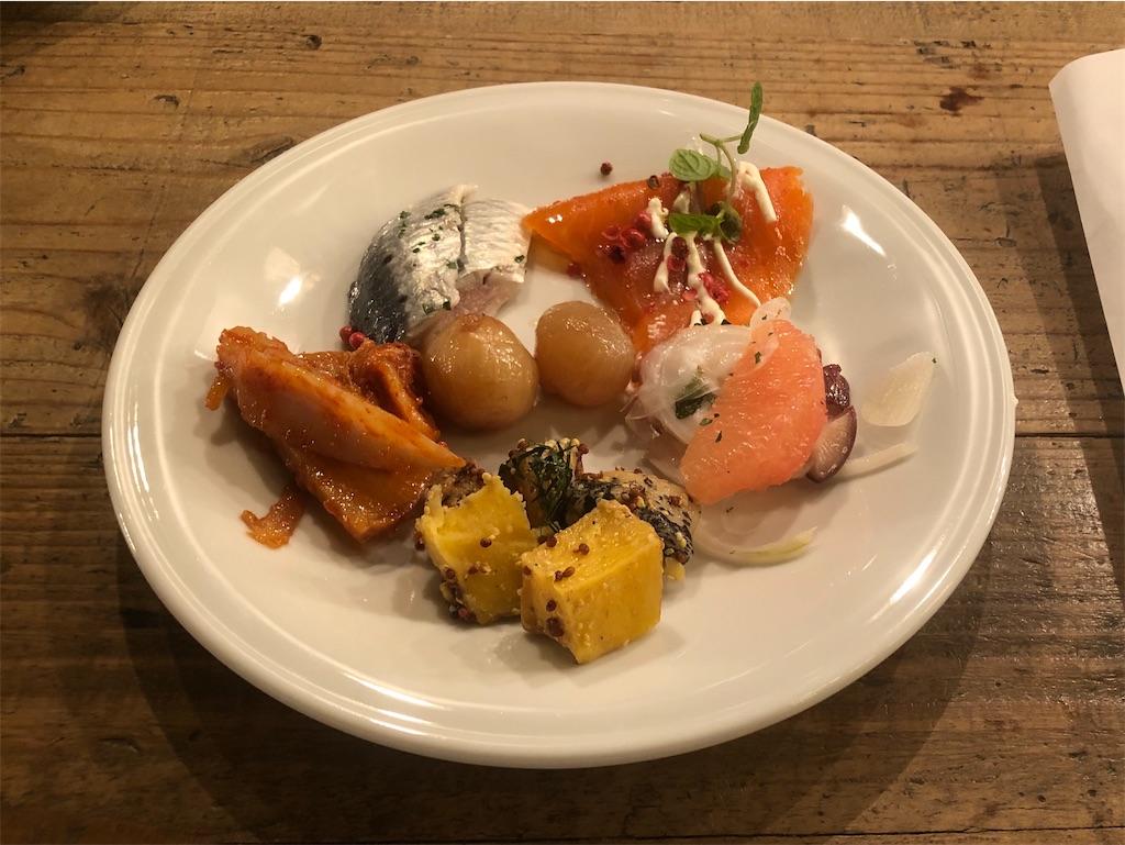西新宿 MORETHAN TAPAS LOUNGE ランチブッフェ 冷菜