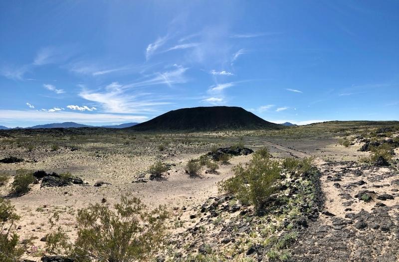 モハーベ アンボイ クレーター 火山 火星探査機 ルート66 トレッキング